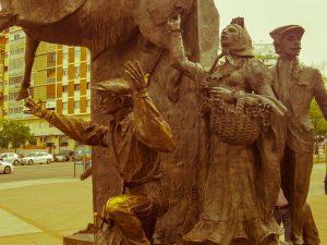 Las Ventas Madrid sculpture of aficionados and Dominguin